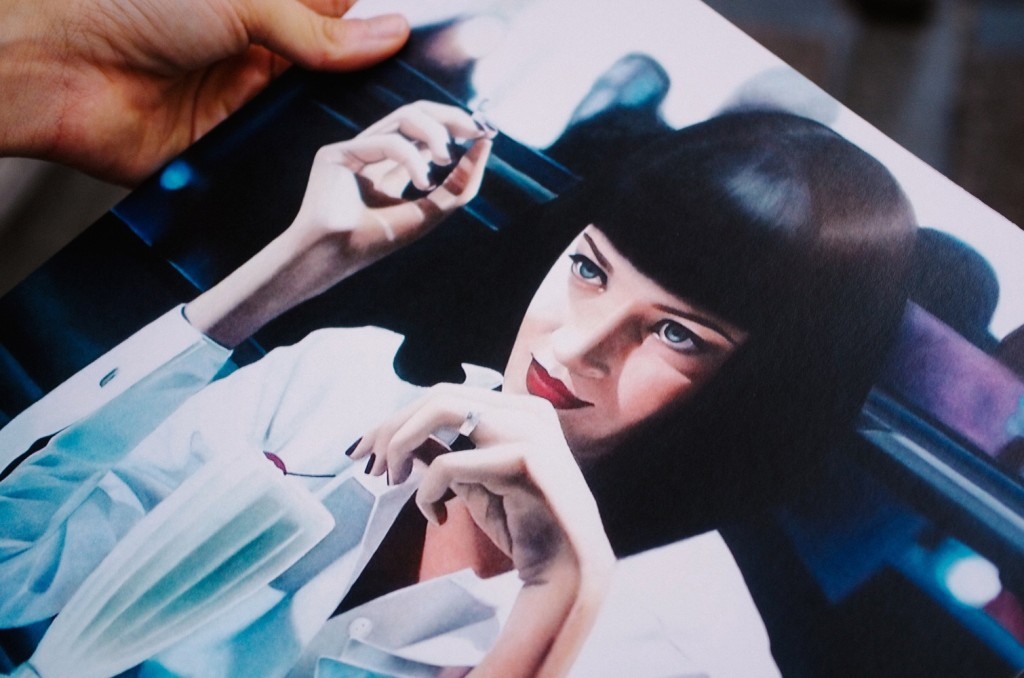 Nadia portando una de sus láminas. Foto de imeminemagazine®