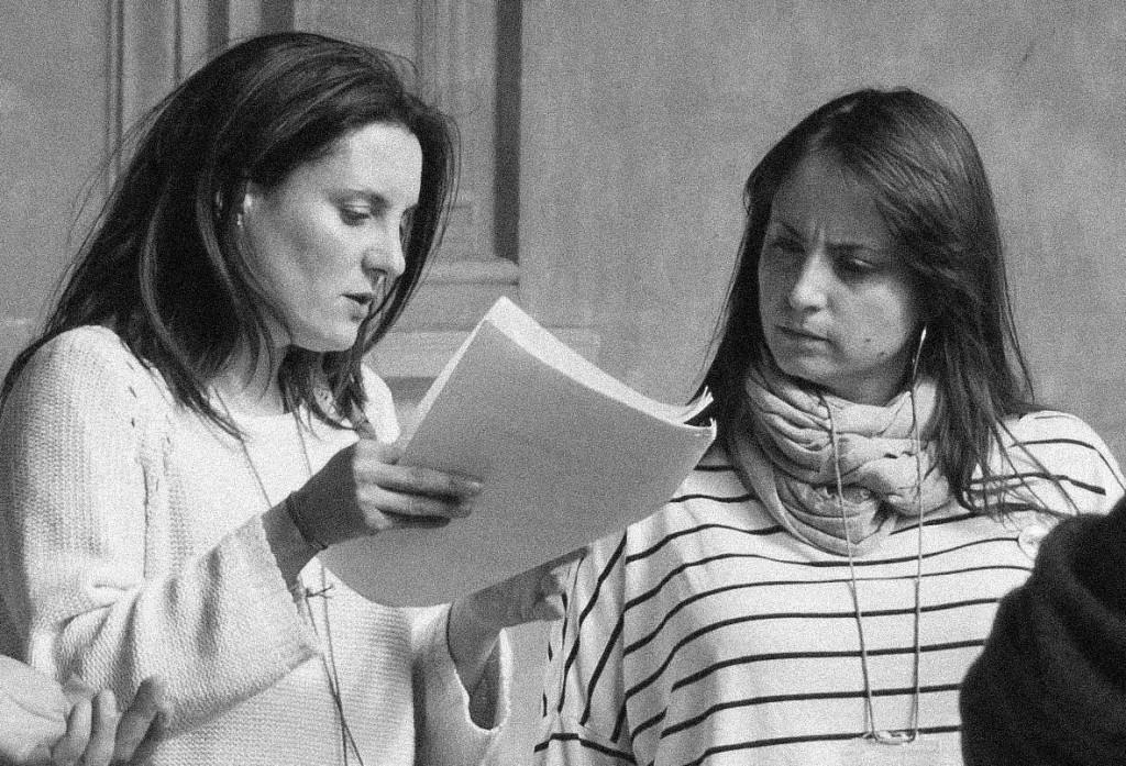 María José y Cristina durante un rodaje.
